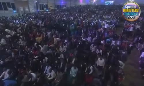 GHANA STANDS IN WORSHIP WITH SINACH 2017 (A must WATCH).mp4