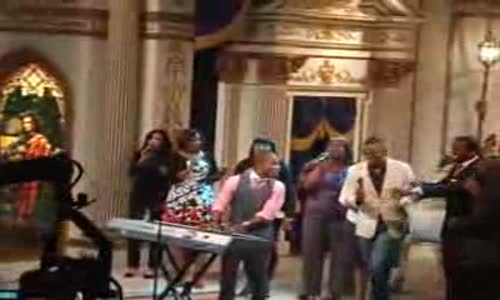 Kirk Franklin, Rickey Smiley, and Tamela Mann - Now Behold the Lamb.flv