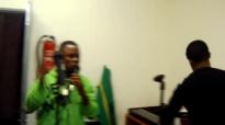 fr. pitshou mwanza en répétition.flv