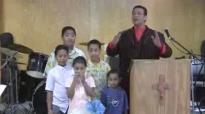 Pastor Sione Falekaono & His Beautiful Family.KO E 'OTUA KOIA HOTAU MALU'I (Saame 127_1)Part 1.flv