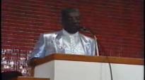 Praise Break - Reverend James Cleveland.flv