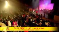 Manasseh Jordan - Praising The Name Of GOD with (Kia Talein).flv