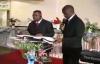 Pastor David Ntumba_ Ne limite pas Dieu.flv