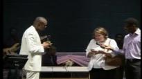 Testimonies from Pastor Chris Ojigbani's London Seminar.flv