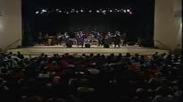 Willie Neal Johnson & The New Gospel Keynotes - Hold On.flv