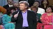 Mark Lowry & Bill Gaither Comedy_Turn Your Radio On.flv