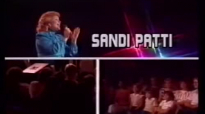 SANDI PATTI LIVE IN 1983 WITH LARNELLE HARRIS).flv