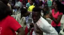 Oluwa E Tobi - By Sammie Okposo(official live video).mp4