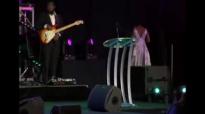 Le'Andria Johnson Tribute to Kim Burrell at 2015 Essence Music Festival.flv