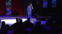 Kansiime can surely dance. #iamkansiime show. Kansiime Anne. African comedy.mp4