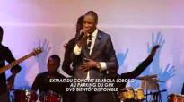 Michel Bakenda Extrait du concert sembola loboko au parking du GHK.flv