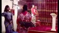 Frère JF Ifonge chante l'Évangéliste Denis Ngonde.flv