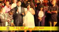 Manasseh Jordan - Healing and Prophetic anointing falls on Lady.flv