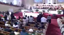 Minister Reginald Sharpe Sings Pass Me Not www.realsharpejr.com.flv