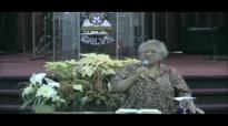 Aprenda a orar em 15 minutos com a Missionária Edméia Williams.mp4