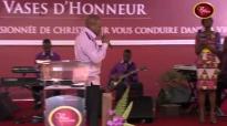 Je vois le Roi (adoration)! Pasteur Mohammed Sanogo.mp4