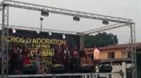 Franck MULAJA et les Echos d'Adoration - Live Louange et Adoration à Lemba.flv