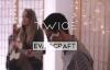 TWICE ft. Evan Craft – El Cordero y El León (Video Oficial).mp4