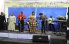 le pasteur Eddy Mahele chante Kombo oyo de fr franck Mulaja avec les mamans de l'Eglise de Moutier.flv
