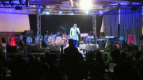 Extrait Concert Acoustic GHK Mike Kalambay et Shékinah Music.flv