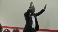 Bishop Elisé Mulumba à la maison roi 30 10 2011 part3.flv
