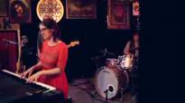 Audrey Assad- Sparrow (Live).flv