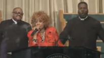 Dorinda Clark-Cole Praise Break at GEI COGIC.flv
