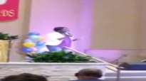 Le'Andria Johnson 2016 (song - Break Every Chain).flv