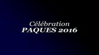 Michel Bakenda et HP Mulaja célébration pâques.flv