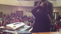 KIM BURRELL PLAYING AND SINGING OH LORD.flv