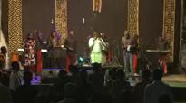 Concert 2016 tokoti na nzembo bientôt disponible Michel Bakenda feat HP Mulaja.flv