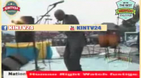 MAMAN OLIVE LEMBE CONCERT L'OR MBONGO ET LE FRERE PATRICE.flv
