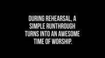 Uncle Reece Spontaneous Worship You're Not Alone @Unclereece #WorshipMode.flv