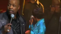 Solly Mahlangu _ Praise Him in An African Way.mp4