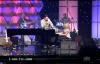Jason Crabb & Linda Davis - Because He Lives.flv