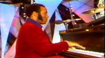 I Don't Know Why Jesus Loves Me - Andrae Crouch & The Disciples - Explo 72.flv