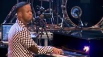 Women In Praise ft. Winnie Mashaba - Dilo Tsa lefase - Gospel Praise & Worship S.mp4