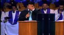 No dejes de insistir en esa petición Pastor Javier Bertucci (Domingo 10-08-2011)