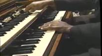 He'll Make A Way - Mississippi Mass Choir.flv