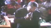 Rev. Clay Evans Sings after Rev. Jasper Williams Preach.flv