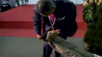DR LAWRENCE TETTEH STRAIGHTEN A SHORT LEG TO BE SAME.mp4