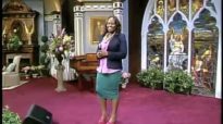 CeCe Winans hosts Tasha Cobbs Happy.mp4