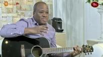 Développe la douceur - Mohammed Sanogo Live (adoration).mp4