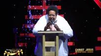 Mesfin gutu new live ethiopian protestant mezmur 2017.mp4