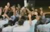 Yiye Avila predicando en carcel de mujeres  el leproso