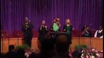 Dorinda Clark Cole (He Brought Me) Praise Break.flv