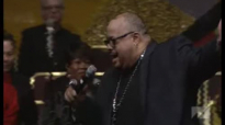 Fred Hammond Oh Give Thanks at Pastor Andrae Crouch Celebration of Life Concert