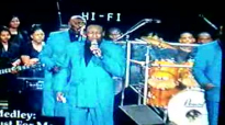 Willie Neal Johnson and The Gospel Keynotes-Medley.flv