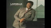 Larnelle Harris - His Eye On The Sparrow.flv