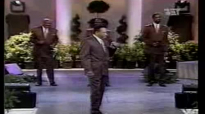 Willie Neal Johnson & The Gospel Keynotes Farther Along.flv